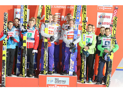 Large podium team zakopane 16