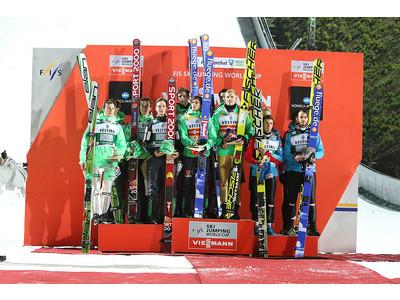 Large podium team klingenthal w 15